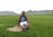 Seine offene und pragmatische Sicht auf das Leben und die Bräuche der Mongolei gab uns wertvolle Einblicke.
