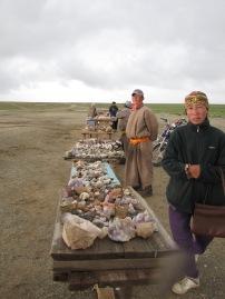 Hier werden Edelsteine, die in der Umgebung gefunden werden verkauft.